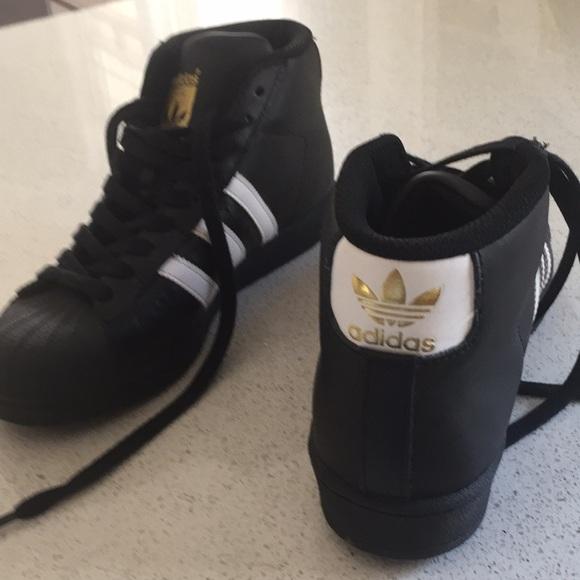 black shell toe adidas high top | Great